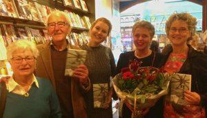 Foto vlnr: ouders Bertina, nichtje Fleur, Veronie Snijder-Kramer en Bertina